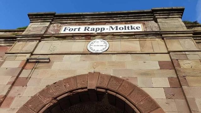 Entrée du bâtiment du fort de Reichstett